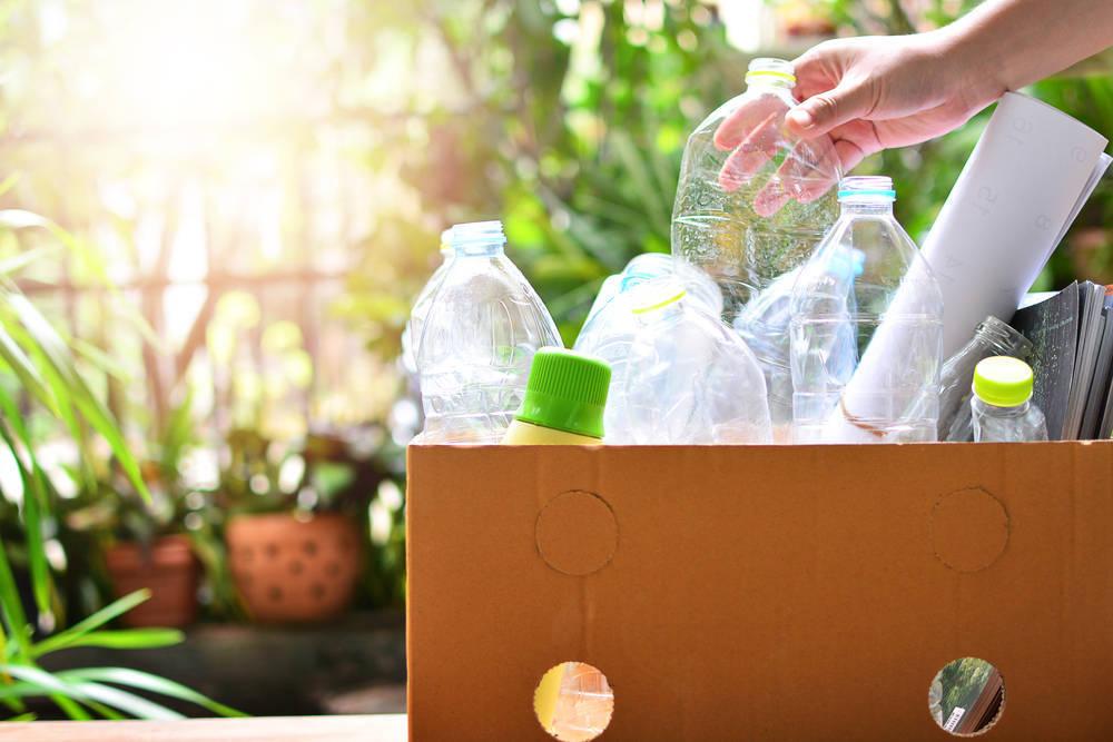 Las botellas de plástico, un elemento con cientos de usos diferentes